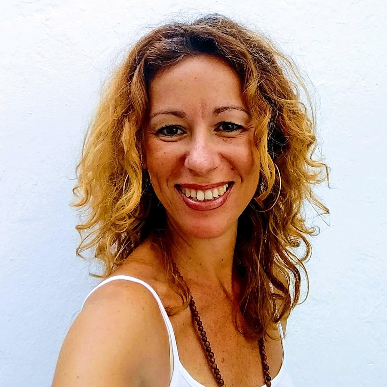 ELEVARIA Eva Vega Vidal